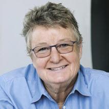 F Lynne Bachleda